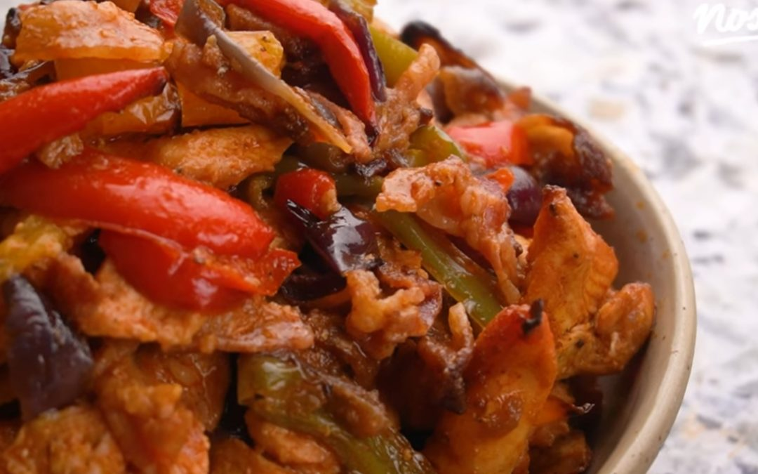Csirkés-baconös fajitas recept (videó)
